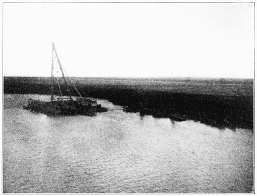 PSM V68 D012 Sunken chatham salvage in the blocked suez canal 1905.png