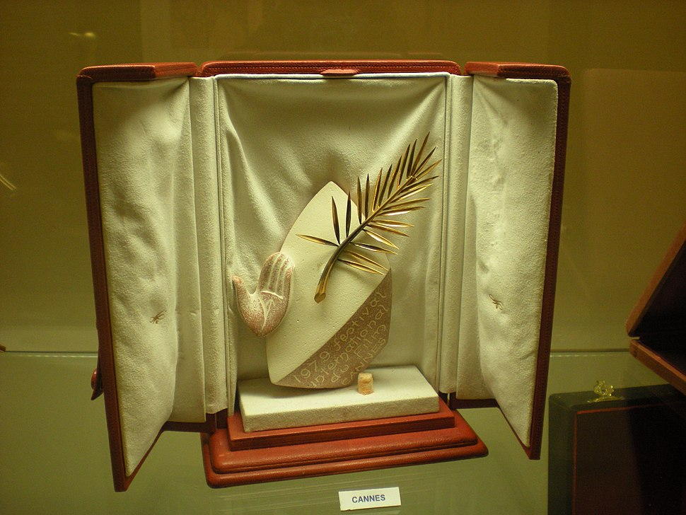 Palme d'Or award in presentation case