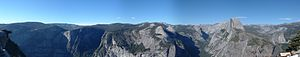English: Panorama of view of Yosemite Valley i...