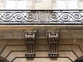 Paris - 1, rue du Mail - corbeaux et balcons.jpg