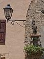 Particolari di arredo urbano nei vicoli del Borgo di Savignano sul Panaro.jpg