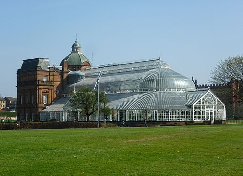 People's Palace museum on Glasgow Green People's Palace and Winter Gardens, Glasgow Green.JPG