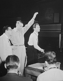 Pete Rugolo, Stan Kenton, and Bob Graettinger, 1947 or 1948 (William P. Gottlieb 04941).jpg