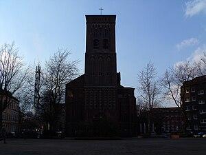 Deutsch: Die Pfarrkirche St. Joseph vom Dellpl...