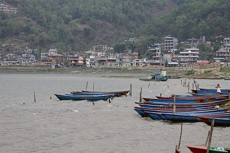 Phewa Lake in Pokhara.JPG