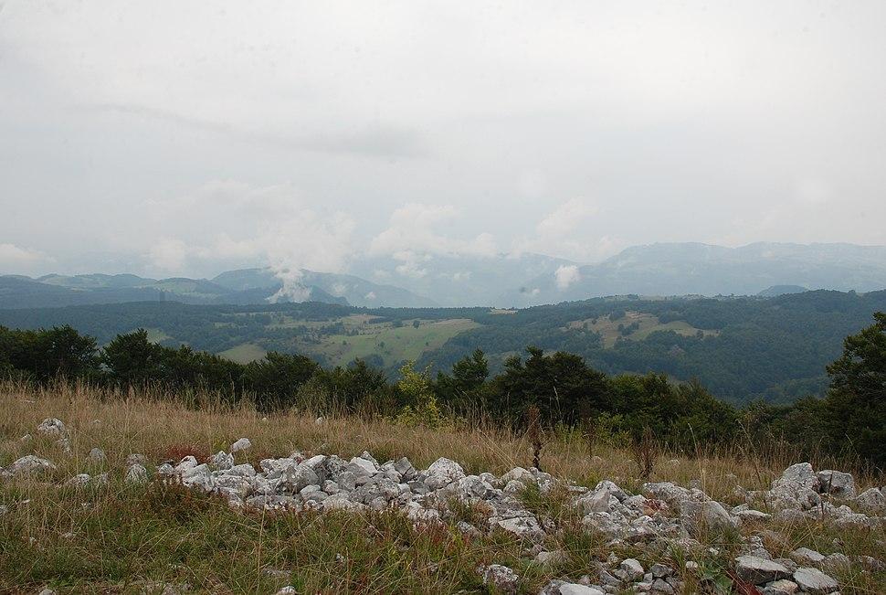 Povlen- zapadna Srbija - vrh Malog Povlena - pogled prema jugozapadu 3
