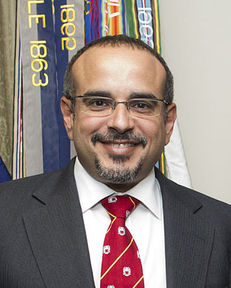 Salman, Crown Prince of Bahrain - Image: Prince Salman bin Hamad al Khalifa at the Pentagon May 10 2012