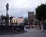 Puebla - Zócalo - Fontaine.JPG