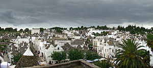 English: Alberobello, Apulia, Italy. Français ...