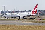 Qantas (VH-VZO) Boeing 737-838(WL) at Sydney Airport.jpg
