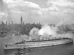 Troopship - Image: RMS Queen Mary 20Jun 1945 New York