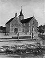 Rathaus und Kirche Uissigheim 1910-MJ.jpg