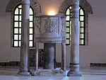 Ravenna, sant'apollinare nuovo, int., pulpito.JPG
