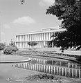Rehovot Weizmann Institute een van de gebouwen op het terrein van het instituu, Bestanddeelnr 255-3896.jpg