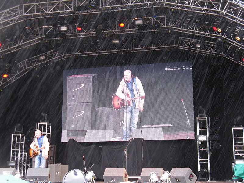 File:Richard Digance at the 2010 Cropredy Festival.jpg