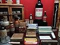 Rillieux-la-Pape - Musée Testut-Latarjet, produits pharmaceutiques à base de quinine ou d'arsenic.jpg