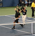 Roger Federer wins the 2007 US Open.jpg