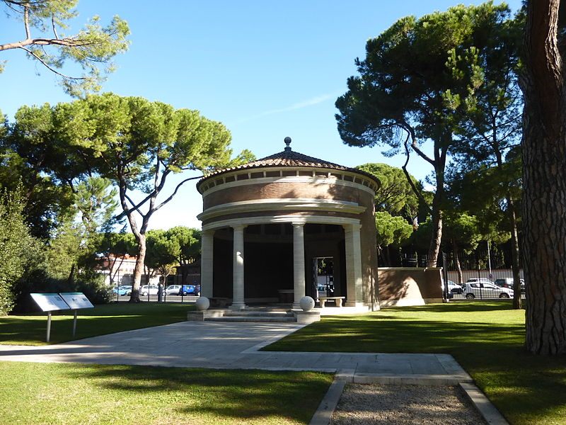 Rome War Cemetery - vestibolo P1060055.JPG