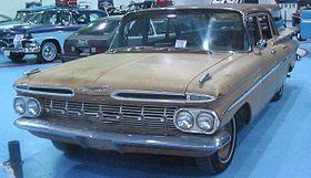 Rusty '59 Chevrolet Brookwood (Laval Bike & Tattoo Show '12).JPG