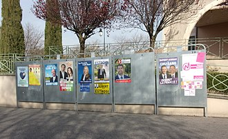 Marion Maréchal - Electoral posters in Saint-Didier, Vaucluse
