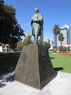 <i>Benito Juárez</i> (Tamariz) monument by Ernesto Tamariz