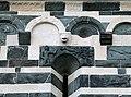 San michele di murato, fianco sx, con rilievi del 1140 ca. 06 tentazione di eva.jpg