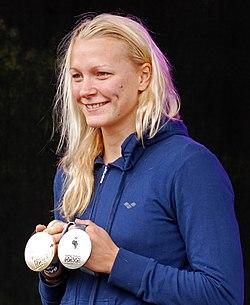 Tva svenska vm medaljer pa 50 meter fjaril