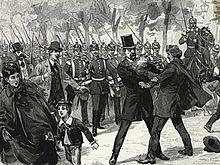 Cohen-Blind commet un attentat contre Bismarck, on le voit tirer sur le chancelier qui est coiffé d'un chapeau, les deux hommes se regardent dans les yeux