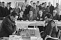 Schaken Nederland tegen Rusland links Heyn Ponner en rechts Petrosjan, Bestanddeelnr 914-0949.jpg