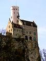Schloss Lichtenstein, westliche schwäbische Alb (7325634524).jpg