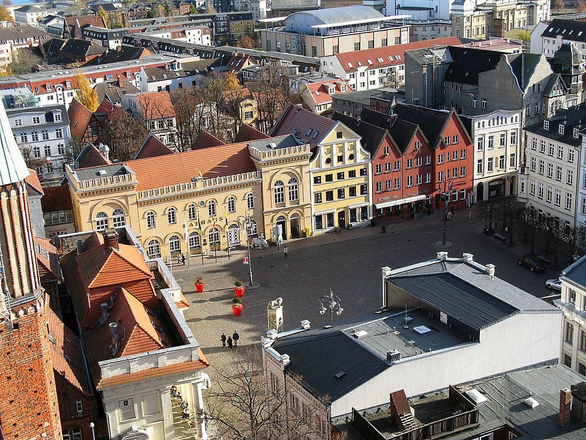 Schwerin Markt Rathaus 2007-11-04.jpg