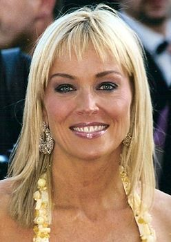 Sharon Stone 2005 (cropped).jpg