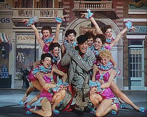 English: Gene Kelly and girls in Singin' in th...