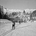 Skiërs bij de sleeplift, Bestanddeelnr 254-4354.jpg