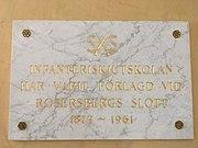 Skylt för Infanteriskjutskolan på Rosersbergs slott