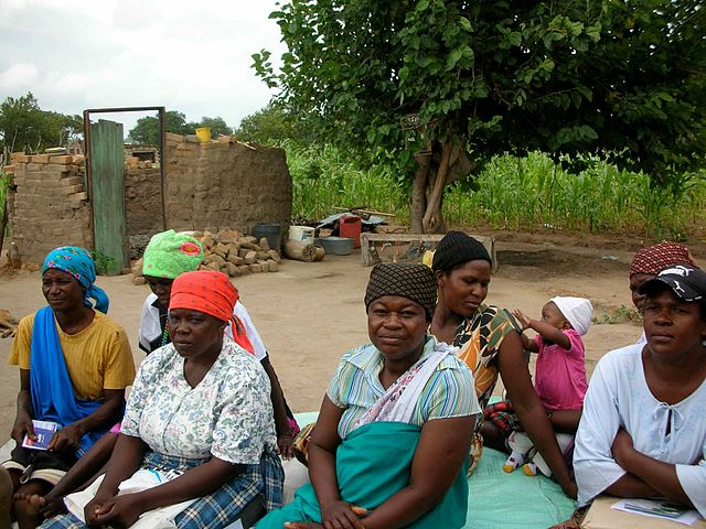 Microfinance Meeting, Small Enterprise Foundation (Image from Wikimedia Commons)