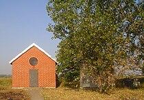 Sochaczew - ohel cadyków Bornsteinów na cmentarzu żydowskim.jpg