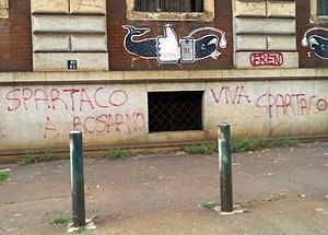 Spartacus - Viva Spartaco, Spartaco a Rosarno: graffiti connecting Spartaco with 2010 Rosarno riots between locals and migrant farm workers