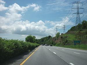 Sprain Brook Parkway - Image: Sprain Brook Parkway SB north of Tuckahoe Road