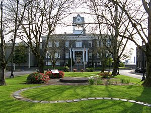 St. Helens, Oregon - Columbia County Court House (1906)