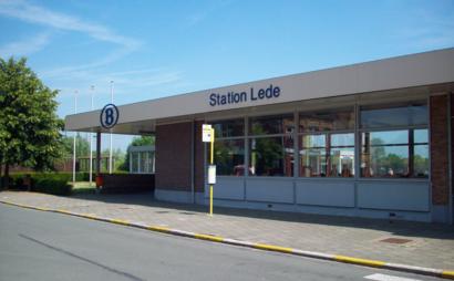Hoe gaan naar Station Lede met het openbaar vervoer - Over de plek