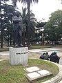 Statuo de Hipólito Yrigoyen (Bonaero).jpg
