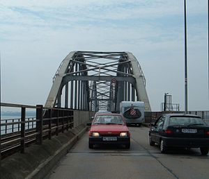 Storstrøm Bridge - Bridge deck showing two narrow road lanes (without centre line) and one rail (without overhead wire)