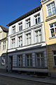 Stralsund, Ravensberger Straße 6 (2012-04-06), by Klugschnacker in Wikipedia.jpg