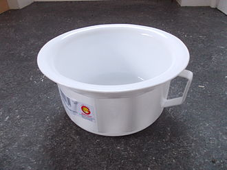 Chamber pot - Plastic adult chamber pot