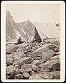 Telt i August 1887 paa et af St. Skagastølstinds Klippegallerier (12808936215).jpg