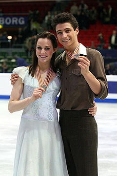 Tessa Virtue & Scott Moir Podium 2008 Worlds.jpg