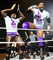 I Prime Time Players (Darren Young a destra e Titus O'Neil a sinistra) nell'aprile del 2015.}