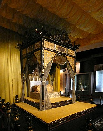 Perak Sultanate - Replica of royal throne of Perak in National Museum.