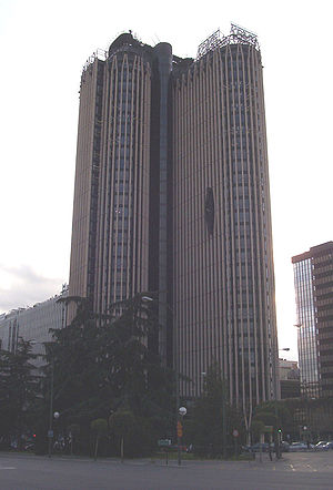 The Method (film) - Torre Europa roles as the location of the Dekia offices.